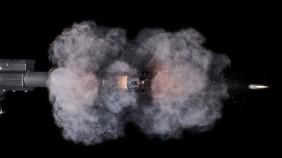 高速摄影机下子弹出膛的火焰瞬间:很美很壮观